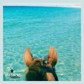 #MYBESTRIDINGPLACE 💙  Cap sur le Finistère pour une baignade dans l'eau turquoise de la plage du Vougot, à Plouguerneau. 😍  📍Finistère, Bretagne 📸 @oceane_kassiop   📩 Toi aussi participe à notre grande randonnée virtuelle en nous envoyant ta photo par message!🤩  #mybestridingplace #baladeacheval #finistere #bretagne #acheval #randonneeequestre